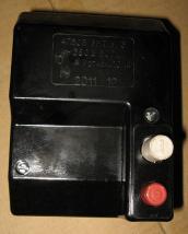 Фотография автоматического выключателя АП50Б или АП 50 3МТ У3. На странице подробное описание устройства, применения, технических характеристик автомата АП 50 или АП50Б 2МТ или 3МТ климатического исполнения УЗ