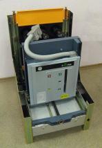 Фото выкатного вакуумного выключателя SecoVac производства General Electric