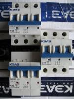 Фото трёхполюсных автоматических выключателей ВМ63 3Р на 10, 16 и 25 ампер выпуска Курского электроаппаратного завода