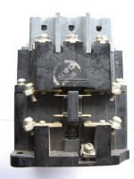 Пускатель реверсивный трёхполюсный ПМЕ 113 на 10А