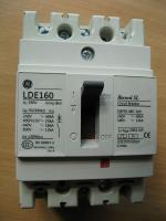 Фотография трёхполюсного токоограничивающего выключателя Record SL LDB160 3P на номинальный ток 100А изготовления General Electric