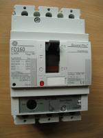 Фотография трёхполюсного выключателя Record Plus FD160 Effective на 100А с регулировкой номинального тока выпуска корпорации General Electric