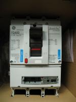 Фотография трёхполюсного автоматического выключателя Record Plus FG400 Normal 3P на 400А выпуска General Electric