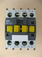 Контактор электромагнитный КМИ 11810 на 18А выпуска IEK