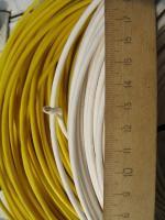 Фотография бухты силового провода ПВ3 2.5 с ПВХ изоляцией жёлтого и белого цвета