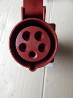Фотография стационарной наружной розетки 115 на 16А с пятью гнёздами