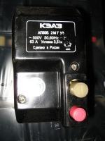 Фото двухполюсного кнопочного автоматического выключателя АП 50Б 2МТ на номинальный ток 63 ампера при уставке 3,5 In выпуска Курского электроаппаратного завода