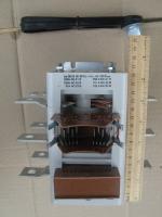 Фотография трёхполюсного рубильника ВР32-35 В71250 на тепловой ток 250А изготовления Кореневского завода НВА