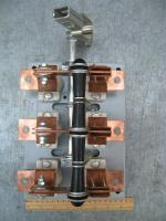 Фотография разрывного трёхполюсного рубильника РС-2 на тепловой ток 250А с рукояткой выводимой на дверь шкафа