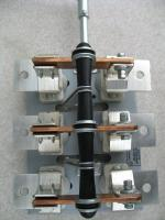 Фото разрывного разъединителя РБ-6 на тепловой ток 630 ампер с правым ручным приводом