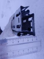 Фотография металлического кабельного лотка размером 50х35 или 35х50 мм производства ИЭК