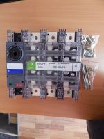 Фотография трёхполюсного выключателя-разъединителя Dilos-4 на 400 ампер корпорации General Electric