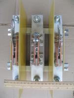 Фотография трёхполюсного рубильника РЕ19-39 на номинальный ток 630 ампер исполнения 31160 на одно направление с изолированной штангой в комплекте