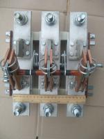Фотография трёхполюсного разрывного рубильника РЕ19-43 31140 на 1600 ампер с передней смещённой рукояткой