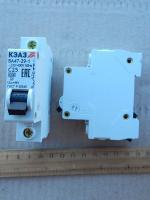 Фотография однополюсного модульного автоматического выключателя ВА47-29 1Р на 25А выпуска КЭАЗ