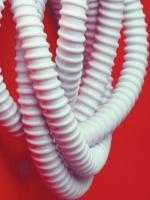 Изображение особо гибкой армированной гофрированной трубы для уличной прокладки диаметром 20 мм производства ДКС