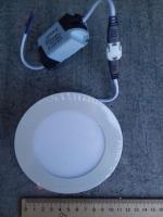 Фотография круглого LED светильника на 6 Вт для встраивания в потолок