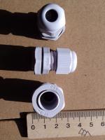 Фотография пылевлагозащищённых сальников PG-9 выпуска TechnoSystems