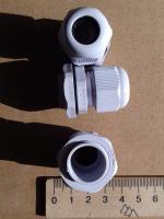 Фотография пылевлагозащищённых сальников PG-11 выпуска TechnoSystems