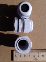 Фотография пылевлагозащищённых сальников PG-16 выпуска TechnoSystems