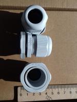 Фотография пылевлагозащищённых сальников PG-21 выпуска TechnoSystems