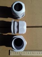 Фотография пылевлагозащищённых сальников PG-36 выпуска TechnoSystems