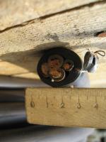 Фотография сечения силового четырёхжильного гибкого кабеля КГ 3х16+1х10 для трёхфазной сети